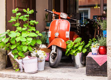 Old vespa Royalty Free Stock Photos