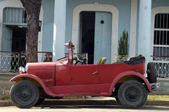 Old vintage car in Cuba Royalty Free Stock Photography