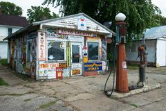 Old Vintage Retro Gas Station Royalty Free Stock Images