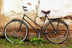 Old vintage rusty bike Royalty Free Stock Photography