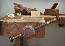 Old vise and tool in a workshop still-life Royalty Free Stock Photos
