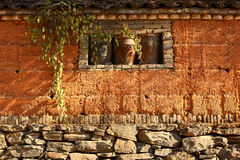 Old wall in sunlight Stock Photography