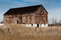 Old weathered bank barn Royalty Free Stock Photos