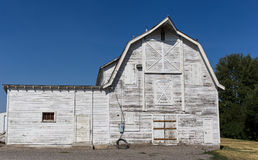 Old white barn Royalty Free Stock Photo