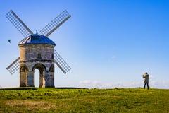 Old Windmill Blue Sky Zabytkowy Wiatrak na błekitnym niebie royalty free stock photo