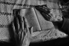 Old woman Hands with a book Royalty Free Stock Photography
