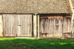 The old wooden barn in the rural countryside Royalty Free Stock Photos