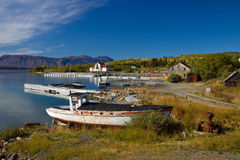 Old wooden boats and docks, historic gold rush village of Atlin Stock Photos