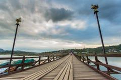 The old wooden bridge in Sangklaburi Royalty Free Stock Images