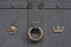 Old wooden door with rusty ring Handle Royalty Free Stock Photos