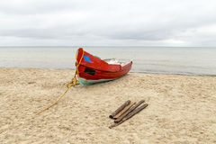 Old wooden fishermens ship at the beach Stock Photography
