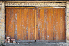 Old wooden garage gate, background texture Royalty Free Stock Photos