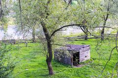 Shed in a meadow Royalty Free Stock Photography