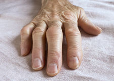 Old wrinkled hand Royalty Free Stock Photography