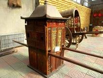 olden brud- vagn Arkivfoto