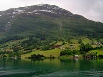 Olden fjord, Norge Arkivfoto