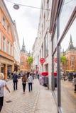 OLDENBURG, DUITSLAND - JUNI 10, 2017: Mening van de oude stadsstraat verticaal Exemplaarruimte voor tekst Stock Afbeelding