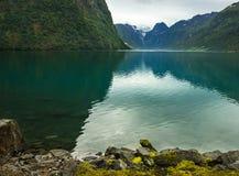 Oldenvatnet Lake i Norge royaltyfria foton