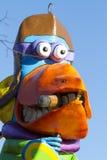 OLDENZAAL, PAÍSES BAJOS - 6 DE MARZO: Figuras gigantes durante el desfile de carnaval anual en Oldenzaal, Países Bajos Imagen de archivo libre de regalías