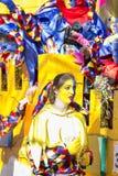 OLDENZAAL, PAYS-BAS - 6 MARS 2011 : Les gens dans le carnaval coloré s'habillent pendant le défilé de carnaval annuel dans Oldenz Photo stock