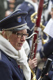 OLDENZAAL, PAYS-BAS - 6 MARS 2011 : Musiciens pendant le défilé de carnaval annuel dans Oldenzaal, Pays-Bas Photos stock