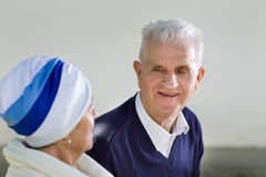 Older couple chatting Royalty Free Stock Photo