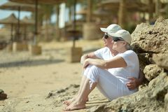 Older couple in sunglasses Royalty Free Stock Photos