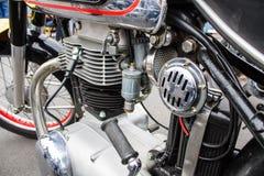 Oldschool减速火箭的脚踏车摩托车自行车引擎和空气过滤器 免版税图库摄影