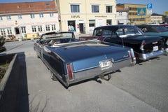 1967年Oldsmobile九十八敞篷车 图库摄影