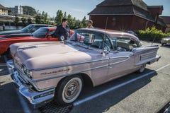 1958年Oldsmobile八十八2个门hardtop 免版税库存图片