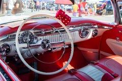 1955年Oldsmobile内部 免版税库存照片