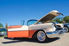 1955年Oldsmobile敞篷车 图库摄影