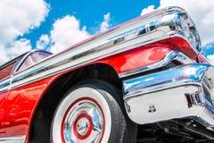 1958年Oldsmobile超级88正确的前面 图库摄影