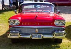Oldsmobile clássico vermelho Imagem de Stock