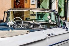 Oldsmobile dynamisch - klassisches sportliches Kabriolett der sechziger Jahre stockfoto