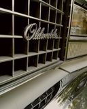 Oldsmobile-grill stock afbeelding