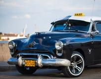 Oldtimer américain au Cuba comme taxi Image libre de droits