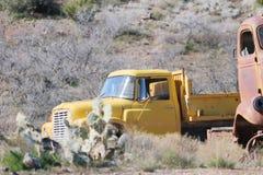 Oldtimer amarelo Foto de Stock