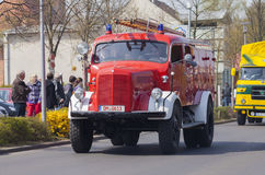 Oldtimer de camion de pompiers de benz de Mercedes d'Allemand photographie stock libre de droits