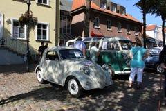 Oldtimer de Fiat Topolino en una demostración de coche fotografía de archivo libre de regalías