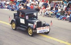 Oldtimer in 4 de Parade van Juli, Vreedzame Palissaden, Californië Stock Fotografie