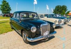 Oldtimer di Mercedes 190D al giorno nazionale annuale del oldtimer in Lelystad immagini stock libere da diritti