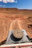 oldtimer do veículo 4x4 que elimina a estrada, Marrocos Imagem de Stock Royalty Free