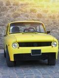 Oldtimer giallo d'annata dell'automobile sportiva Immagini Stock