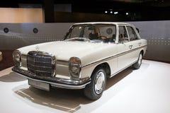 Oldtimer Mercedes-Benzs 220 D Lizenzfreie Stockfotografie