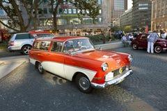 Oldtimer Opel Olympia en el OldtimerCity 2011 en Frankfurt-am-Main Imagen de archivo libre de regalías