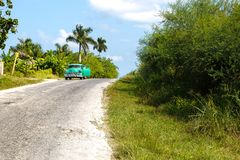 Oldtimer on the street to Bahia Honda royalty free stock photos