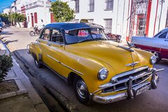 Oldtimer Taxi, Cienfuegos, Cuba Royalty Free Stock Photos