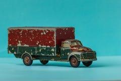 Oldtimer tin-speelgoed, het zware vervoer van het ladingsvervoer Royalty-vrije Stock Foto's