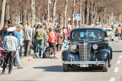 Oldtimerparade im Mai Tag feiert Frühling in Schweden Stockbild